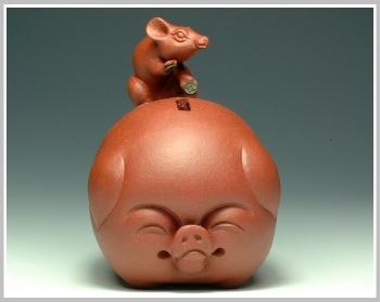 紫砂壶图片:鼠钱系列-鼠钱猪福 - 宜兴紫砂壶网