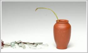 紫砂壶图片:全手朱泥雅致小鸟花瓶 - 宜兴紫砂壶网