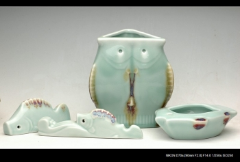 紫砂壶图片:宜兴青瓷-鱼乐文房杂件 - 宜兴紫砂壶网
