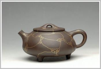 紫砂壶图片:镶纯金 另类奢华 金纹石瓢 - 宜兴紫砂壶网