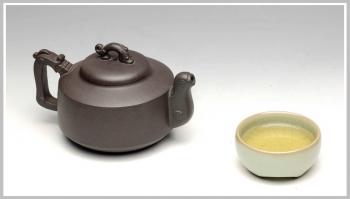 紫砂壶图片:龙运在手 灵龙壶 - 宜兴紫砂壶网
