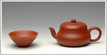 紫砂壶图片:砂质迷人 实用佳品  全手矮君德 - 宜兴紫砂壶网