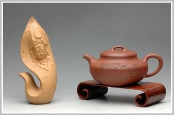 紫砂壶图片:妍丽清雅 墨陶装饰 全手紫泥合欢 - 宜兴紫砂壶网