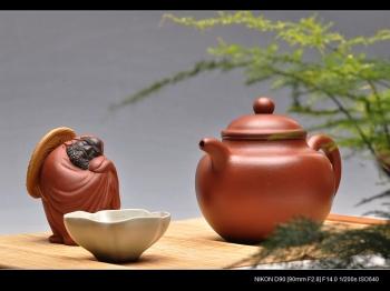 紫砂壶图片:型老,料老,款老之非老壶的味道 全手高莲子 - 宜兴紫砂壶网