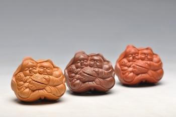 紫砂壶图片:和合二仙 精致做工 把玩茶宠 - 宜兴紫砂壶网
