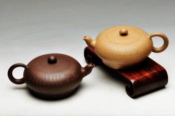 紫砂壶图片:一对小品 实用茶器 如意心经 - 宜兴紫砂壶网