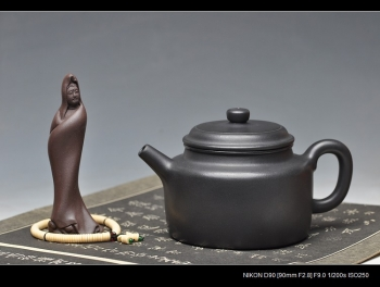 紫砂壶图片:王者归来 万阗阗最新全手力作 大亨德中 浑厚大气 - 宜兴紫砂壶网