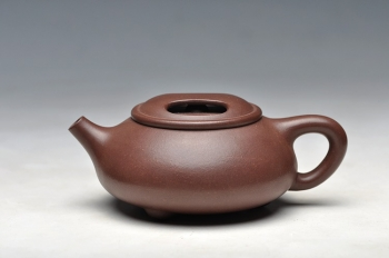 紫砂壶图片:可爱好玩的实用小品 小牛盖 - 宜兴紫砂壶网