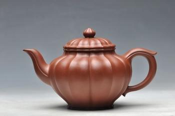 紫砂壶图片:线条流畅 清美之作 筋纹笑樱 - 宜兴紫砂壶网