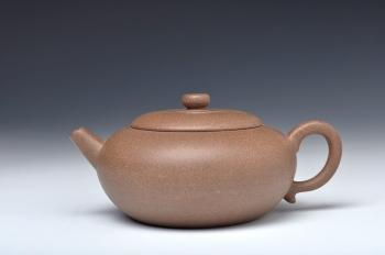 紫砂壶图片:古朴沉静 可玩 全手适泉 - 宜兴紫砂壶网