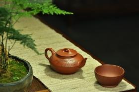 紫砂壶图片:文气佳作 线条优美 富有逸趣 值得雅藏 红泥合欢 - 宜兴紫砂壶网