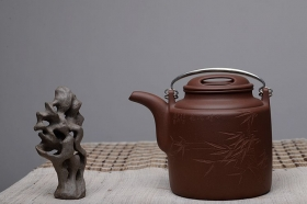 紫砂壶图片:感受黄龙山4号井的魅力 黄玲玲装饰 精品洋桶 - 宜兴紫砂壶网