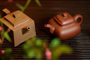 紫砂壶图片:醉美巧克力o(∩_∩)o  方圆之美 全手铺砂传炉 - 宜兴紫砂壶网