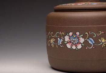 紫砂壶图片:美壶定做 精品粉彩茶叶罐 浑厚大气 古朴之风 - 宜兴紫砂壶网