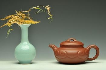 紫砂壶图片:线条流畅 精工典范 红皮龙称心如意 壶中贵妃 - 宜兴紫砂壶网