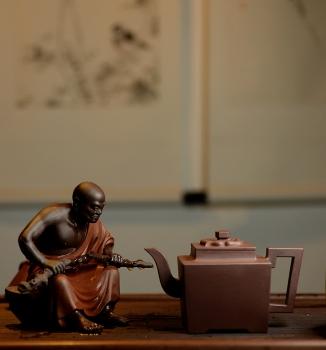 紫砂壶图片:历时两年创作~王健扛鼎之作十八罗汉之持杖罗汉和长眉罗汉~ - 宜兴紫砂壶网