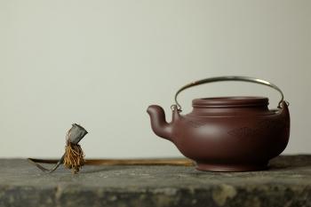 紫砂壶图片:器形稳重 全手蛋包 - 宜兴紫砂壶网