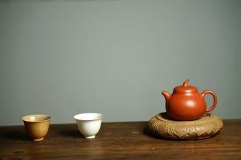 紫砂壶图片:传统器形 白云一片去悠悠~敦厚可人  全手茄段 - 宜兴紫砂壶网
