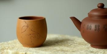 紫砂壶图片:曲峰雅致品茗杯 做工精致 - 宜兴紫砂壶网