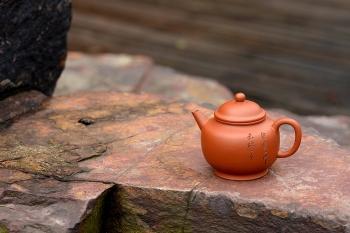 紫砂壶图片:只为茶人 传统器形 铁观音利器 优质朱泥 美壶特惠 全手宫灯 - 宜兴紫砂壶网