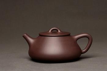 紫砂壶图片:器形周正 全手平盖石瓢 端庄秀丽 - 宜兴紫砂壶网