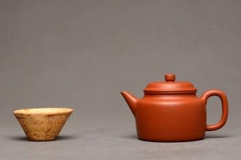 紫砂壶图片:徐亚春作品 经典实用 优质朱泥 德中 仅此一把 - 宜兴紫砂壶网