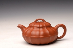 紫砂壶图片:经典作品 合菱 难得佳器 舒展有力 - 宜兴紫砂壶网
