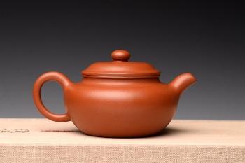 紫砂壶图片:优质朱泥 娇艳迷人 全手仿古 传统实用 - 宜兴紫砂壶网