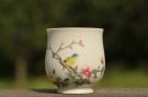 紫砂壶图片:新彩玉光白釉花鸟2 景德镇主人杯 - 宜兴紫砂壶网