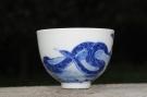 紫砂壶图片:生肖蛇 景德镇全手工手绘青花主人杯  - 宜兴紫砂壶网