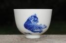 紫砂壶图片:生肖虎 景德镇全手工手绘青花主人杯  - 宜兴紫砂壶网