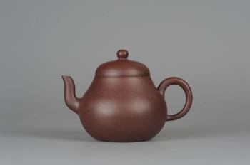 紫砂壶图片:美壶特惠 全手工精品秀雅高梨形 - 宜兴紫砂壶网