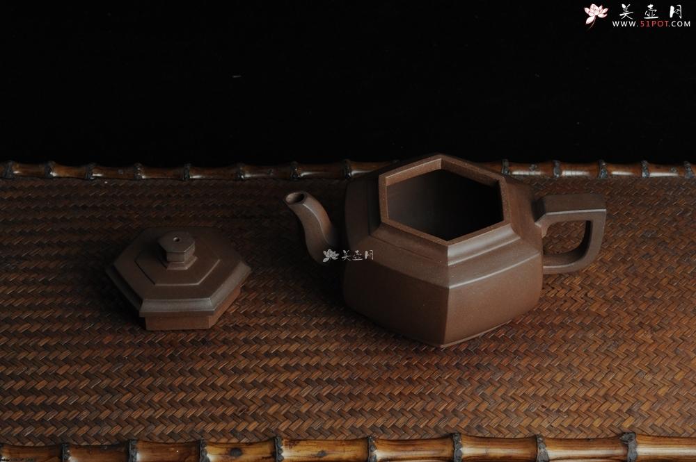 紫砂壶图片:全手工六方雪华壶 瑞雪兆丰年 - 宜兴紫砂壶网