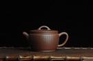 紫砂壶图片:美壶特惠 优质紫泥心经汉瓦 陈俊儒精心装饰 文气十足 - 宜兴紫砂壶网