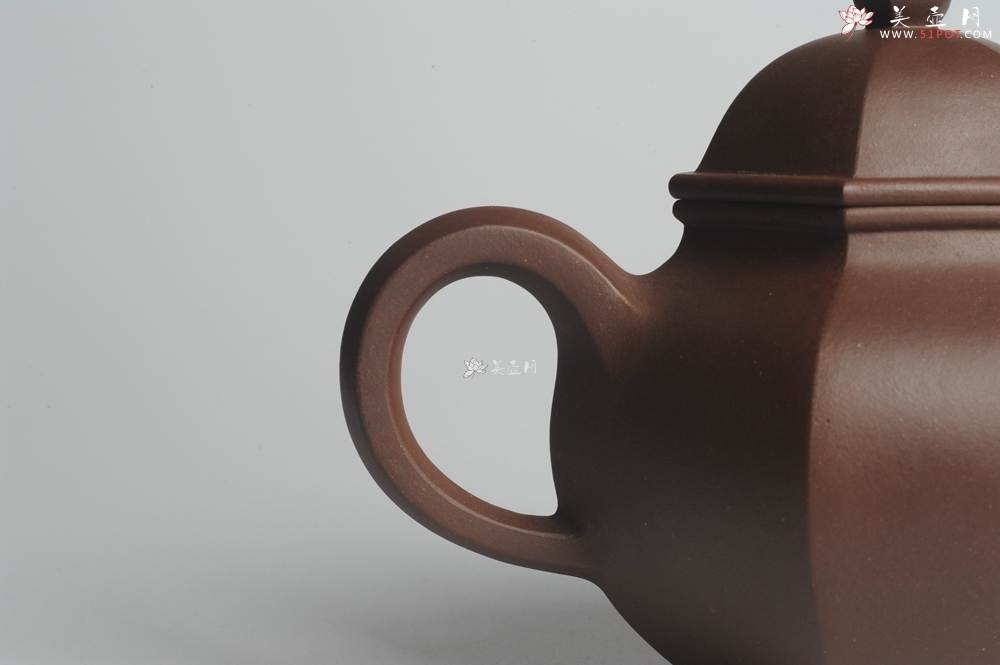 紫砂壶图片:大气端庄 线条流畅 全手工精品六方掇球 - 宜兴紫砂壶网