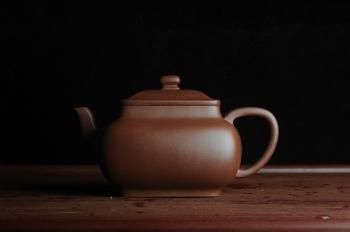 紫砂壶图片:线面挺括 大气全手工原创四方纳福壶 做工超好 - 宜兴紫砂壶网