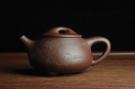 紫砂壶图片:美壶特惠 经典平盖小石瓢 满瓢(景舟石瓢)子木刻绘山水 - 宜兴紫砂壶网