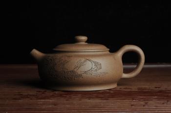 紫砂壶图片:美壶特惠 优质老段泥精致涌泉 卧石图 养后温润可人 - 宜兴紫砂壶网