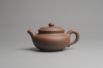 紫砂壶图片:美壶特惠 精致做工老段泥大亨仿古 茶人醉爱 - 宜兴紫砂壶网