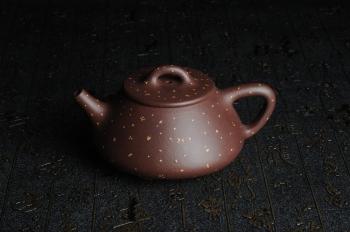 紫砂壶图片:全手工铺砂平盖小石瓢 泥料优秀 实物更漂亮 - 宜兴紫砂壶网