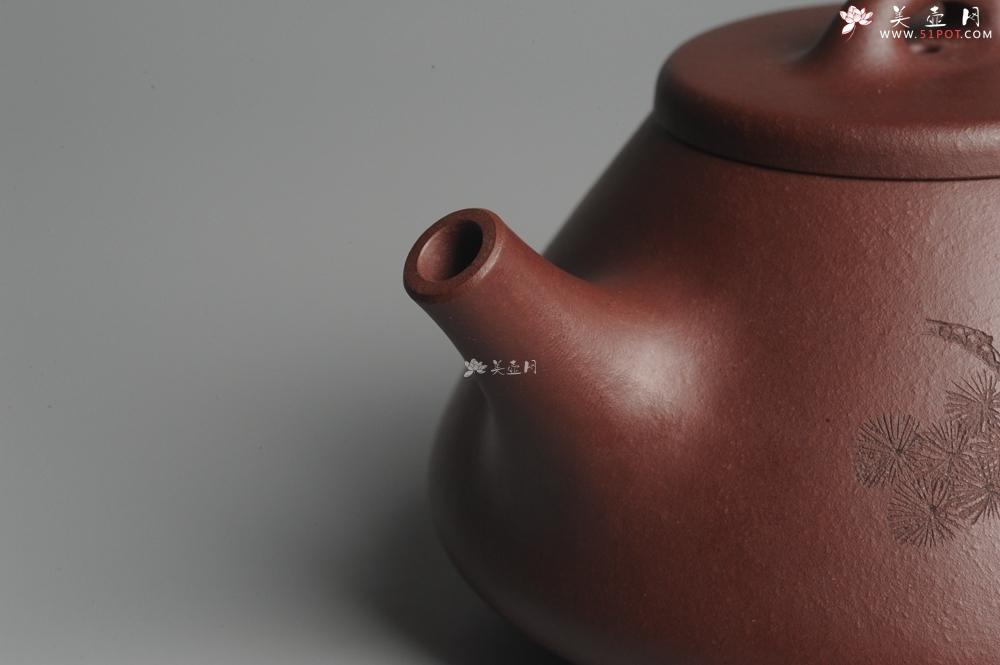紫砂壶图片:油润底曹青 全手工精品子冶石瓢 骨肉匀挺 子陶精刻松鼠 - 宜兴紫砂壶网