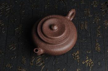 紫砂壶图片:美壶特惠 油润五彩紫泥精致矮莲灯  - 宜兴紫砂壶网