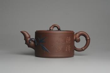 紫砂壶图片:精品大竹段壶 嵌盖难度大  气势磅礴 - 宜兴紫砂壶网