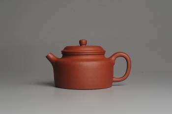 紫砂壶图片:美壶特惠 梨皮红泥德中 做工精致 茶人醉爱 - 宜兴紫砂壶网