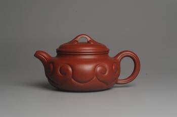紫砂壶图片:美壶特惠 优质大红袍朱泥 精工仿古如意 - 宜兴紫砂壶网