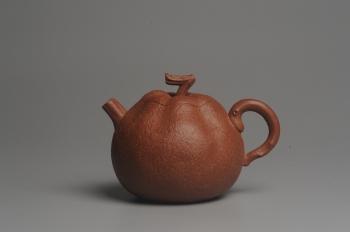 紫砂壶图片:美壶特惠 油润降坡泥精致卡盖全手工仿生丑橘壶 - 宜兴紫砂壶网