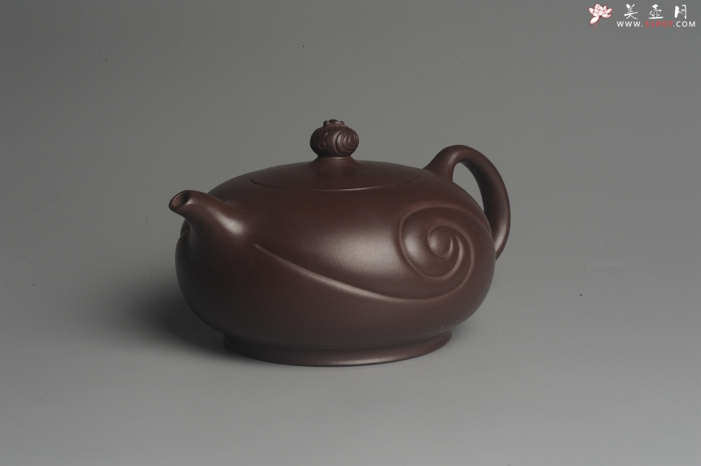 紫砂壶图片:美壶双11特惠 精工油润老紫泥如意半珠 茶人醉爱 - 宜兴紫砂壶网