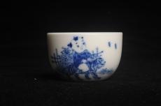 紫砂壶图片:景德镇主人杯 青花杯 童子戏老虎 - 宜兴紫砂壶网