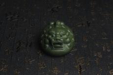 紫砂壶图片:美宠特惠 精工绿泥泥招财兽茶宠摆件 长10cm宽7cm高5cm - 宜兴紫砂壶网
