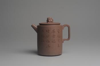 紫砂壶图片:美壶特惠 优质老段文人集狮壶 禾人老师即兴装饰 - 宜兴紫砂壶网